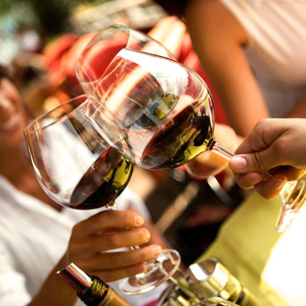 Proosten op een topavond vol gezelligheid, lekker eten én mooie verhalen!